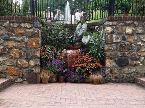 Container arrangement near Square Fountain